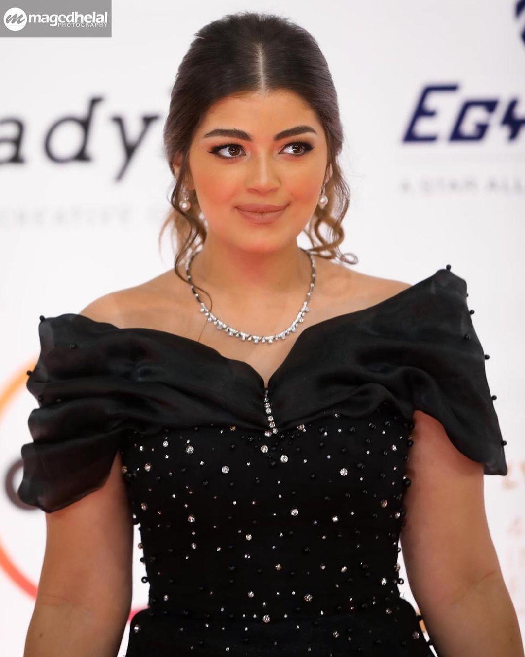 ليلى-احمد-زاهر-في-بيتنا-روبوت