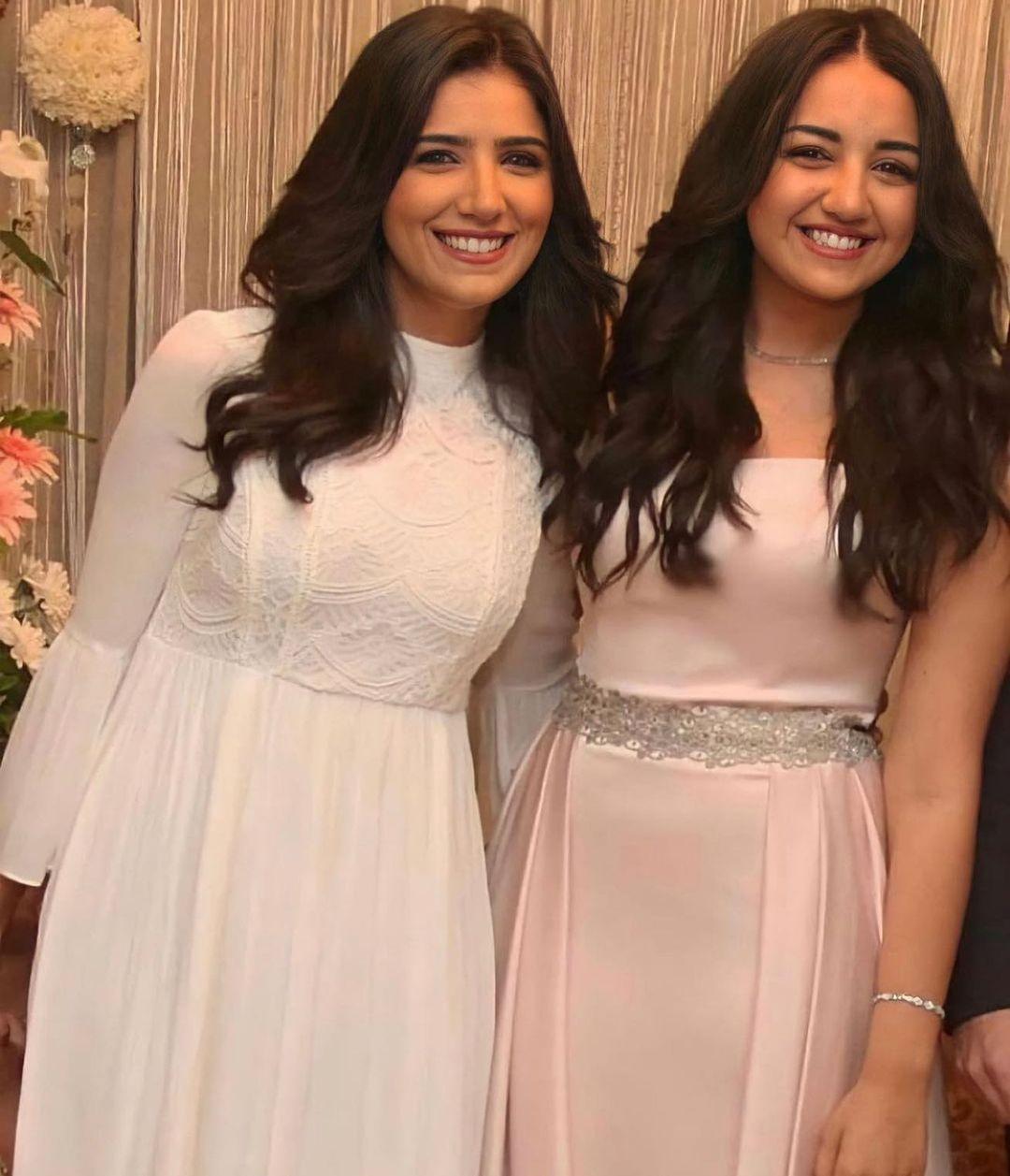 مي-عمر-واختها