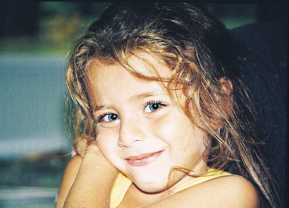 ايلايدا-أليشان-وهي-صغيرة