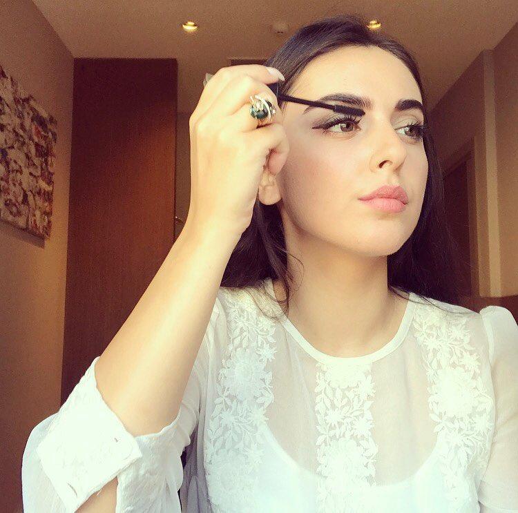 ريتا-خان-مذيعة-الجزيرة