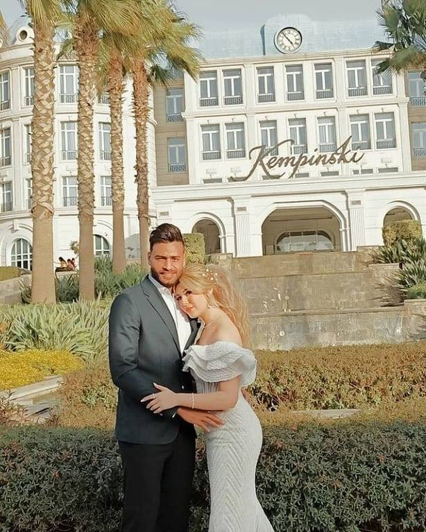 محمد-ابو-جبل-وزوجته